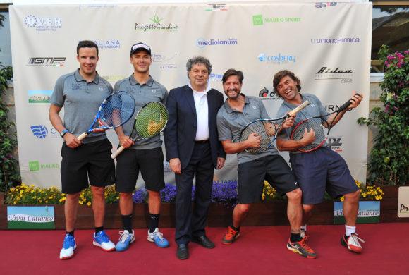 Tennis 2017, una valanga di ospiti e solidarietà. Innerhofer e Ghedina: «Goggia, che stagione»