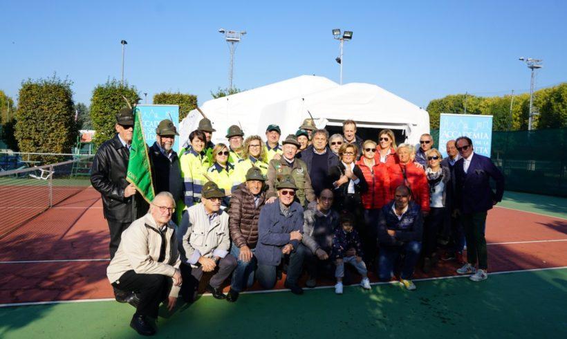Alpini di Celadina, inaugurata la tenda donata dall'Accademia dello Sport: «Un'amicizia che prosegue»
